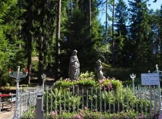 Muttergottes-Wallfahrtsstätte in Pine' - G3